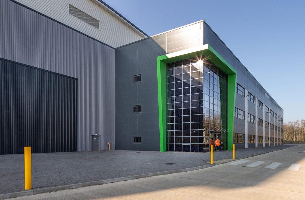 Exterior-image-of-Mulberry-Developments-Warehouse-at-Corby-constructed-by-JD-Pierce-contracts-Ltd