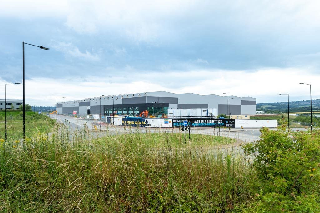 External-view-of-structural-steel-warehouse-Sheffield-by-JD-Pierce