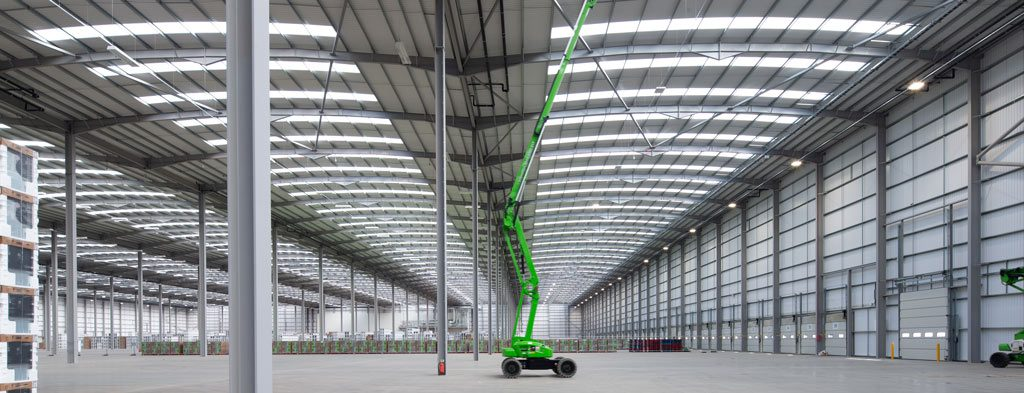 Interior-photograph-showing-massive-steel-construction-of-Mulberry-Projects-Corby-Distribution-Centre-steelwork-and-construction-by-JD-Pierce-Contracts-Ltd-Scotland